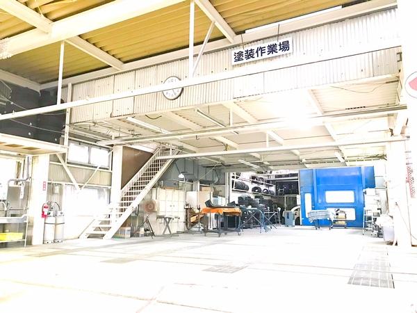 車検工場+鈑金工場そしてナント塗装ブースさえも稲垣自動車には有ります!稲垣自動車ではクルマの事がこの場でワンストップ!