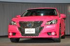 トヨタ 14代目 新型 クラウン発表会で話題を呼んだ「ピンクのクラウン」