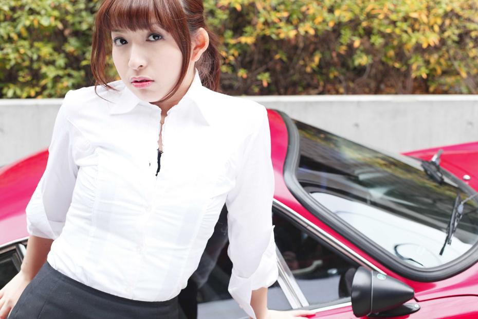 ルノー アルピーヌ A110/愛沢舞美【ドライブ美人】