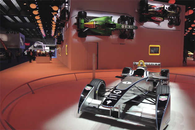 "ahead 1月号- EVのF1開幕元年""Formula E""とは何か"