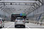 トヨタ 新型ハリアーハイブリッド(ELEGANCE)の高速道路燃費測定中/湾岸道路にて4