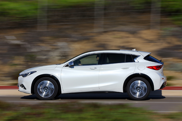 インフィニティ初のコンパクトカー「Q30」試乗!反響次第で日本に導入?