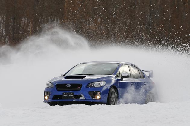 豪雪地でもスバルの四駆は圧倒的に強い!レヴォーグ・WRXなど