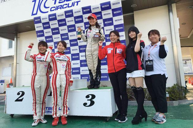 左からMWIMメンバーの岩岡さん、関崎さん、3位を獲得した小松さん、井原さん、洪さん、辻田さん