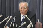 国交省で会見するスズキの鈴木修会長