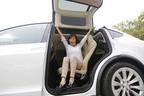 Tesla初のSUVモデル「テスラ モデルX」国内初試乗レポート/飯田裕子