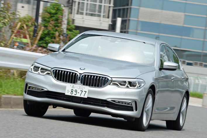 BMW 530e iPerformance Luxury 試乗レポート/内田俊一