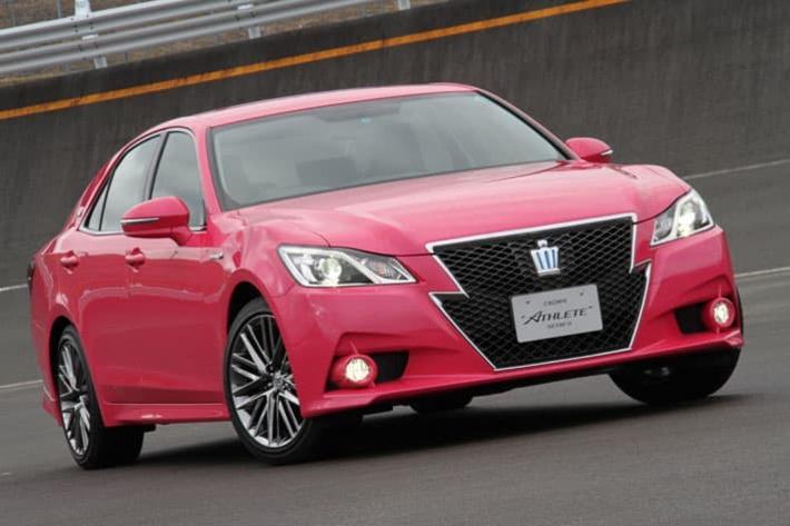 トヨタの高級車「クラウン」に存在した「ピンク色」「金色」「若草色」仕様とは【プレイバック】