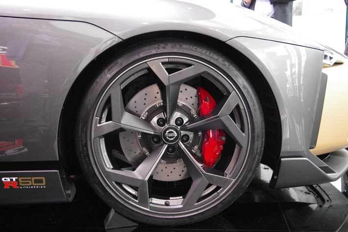 お値段1億円オーバーの特別なGT-R、銀座に降臨!|NISSAN CROSSINGにて「Nissan GT-R50 by Italdesign」が展示中