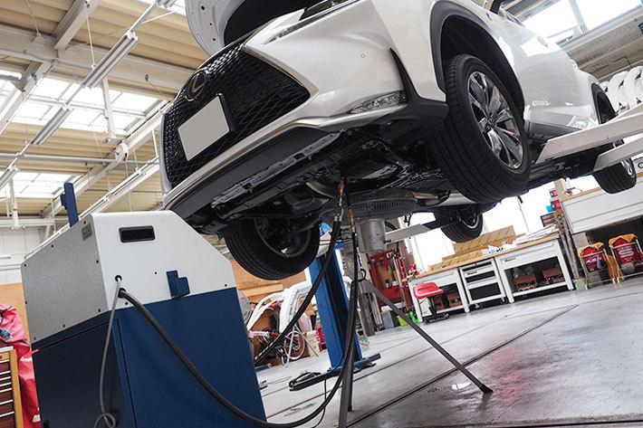 レクサス車の加速性能や燃費が向上!定期的なATF交換でベストコンディションをキープ【vol.2】