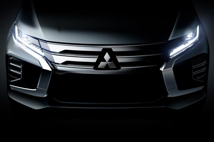 三菱自動車、新型「パジェロスポーツ」をタイで世界初披露