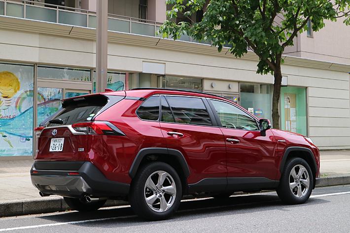 トヨタ 新型RAV4 ハイブリッドモデル 実燃費レポート 人気SUVの最上級グレードの実力を試す