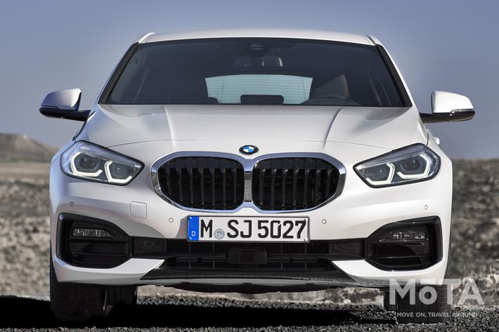 BMW 新型1シリーズを発売|前輪駆動方式を採用、広い室内空間に