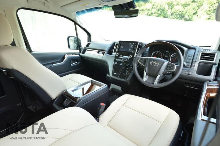 機能的なデザインで運転席からの視界も良好だ