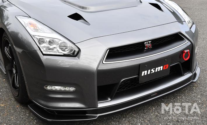 GT-Rのデザインを崩さないシンプルなデザインのエアロながら、効果はバツグン