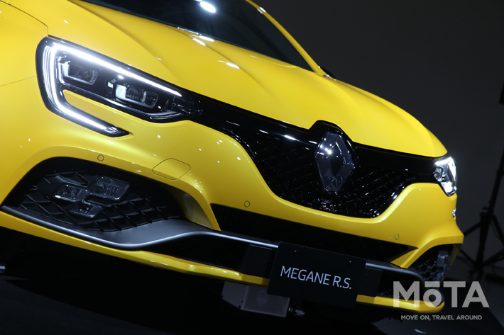 FF最速市販車の新型メガーヌR.S.トロフィーに最強モデルが追加!