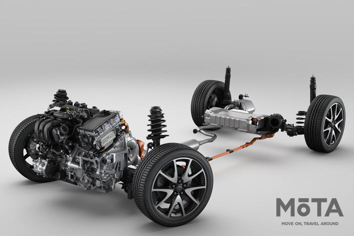 写真はトヨタ 新型ヤリスの新開発1.5リッターダイナミックフォースエンジン+THS IIハイブリッドシステム