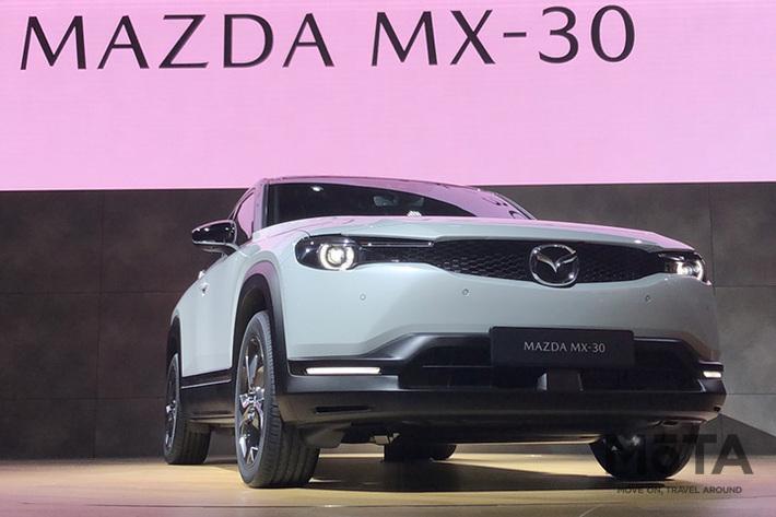 東京モーターショー2019で公開されたマツダ初の量産EV MX-30