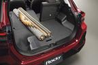 ダイハツ 新型ロッキー ラゲージモード<フラットラゲージモード+後席折り畳み>