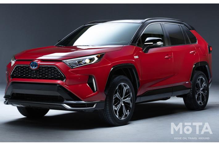 トヨタ RAV4のPHV車を世界初披露【ロサンゼルスオートショー】
