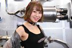 ぴっちりタイトな黒タンクトップがセクシーなフジツボブース【東京オートサロン2020】