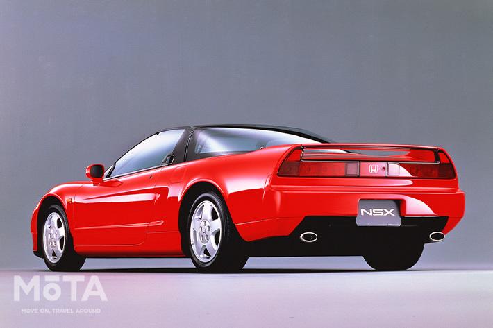 ■全長×全幅×全高:4430mm×1810mm×1170mm ■エンジン:V型6気筒 2977cc ガソリン ■最高出力:280PS/7300rpm ■最大トルク:30.0kg・m/5400rpm ■トランスミッション:5速MT ■駆動方式:MR ■販売期間:1990年~2005年 ※スペックは、1990年式 3.0 MT