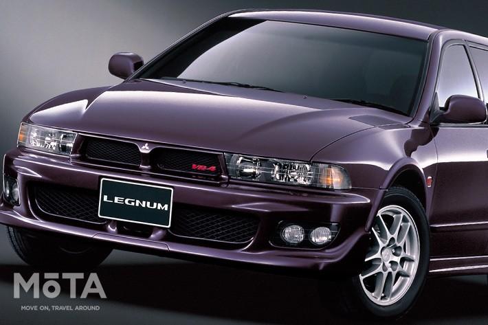 これまで商用車というイメージが強かったワゴンだが、1989年の初代レガシィがその常識を破壊。スタイリッシュさとスポーツカー並の走りでクルマ好きを熱狂させた歴史的なクルマだ, 初代レガシィの影響もあり、1990年代初頭には各社がこぞってライバル車を投入