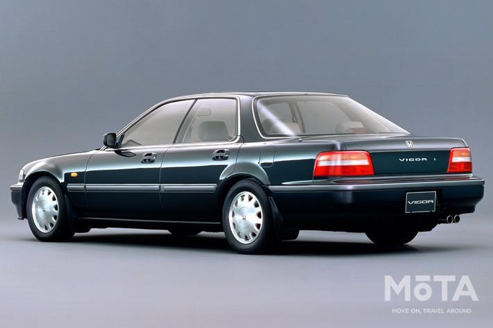 ■全長×全幅×全高:4690mm×1695mm×1355mm ■エンジン:直列5気筒 1996cc ガソリン ■最高出力:160PS/6700rpm ■最大トルク:19.0kg・m/4000rpm ■トランスミッション:4速AT ■駆動方式:FF ■販売期間:1989年~1995年 ※スペックは、1989年式 タイプX
