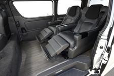 VIPの送迎にも最適な贅沢仕様のハイエース! 豪華キャプテンシートの4人乗り&広々ラゲッジスペース「LUXURY4(ラグジュアリー4)」/ダイレクトカーズ【Vol.15】