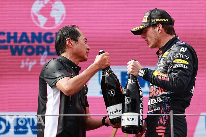 マックス・フェルスタッペン選手と、Honda Racing F1の田辺豊治テクニカルディレクター[F1 2021 第9戦 オーストリアGP]