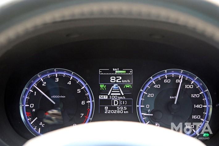 全車速追従クルーズコントロールを使用すればクルマにも優しい走行が可能