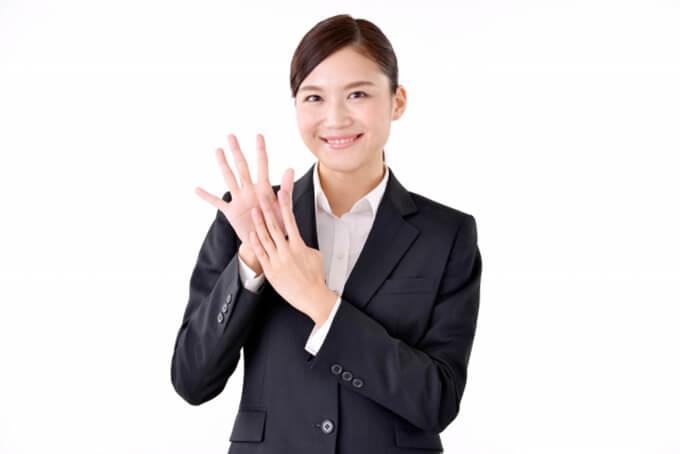 人気の法人向けカーリース、9つの理由